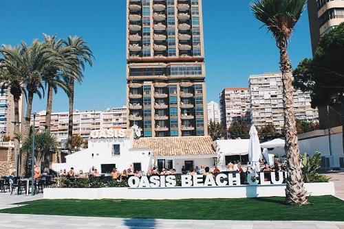 2 Hour Beachfront Free Bar