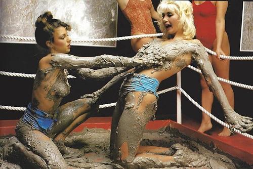 Boobie wrestling