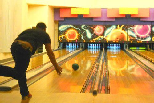 Bowling & Lasertag
