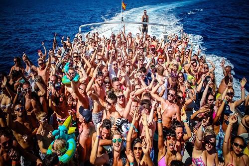 Cirque De La Nuit Boat Party