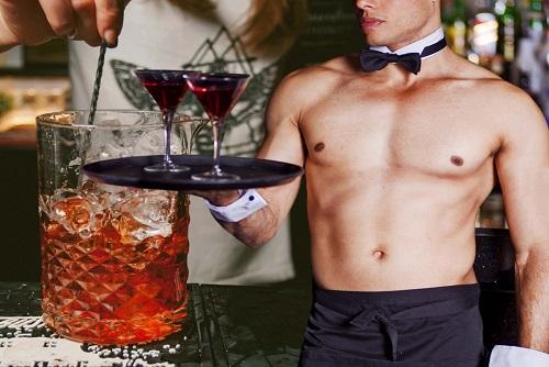 Cocktails & Buns Villa Day
