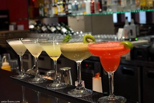 Cocktail Club Crawl